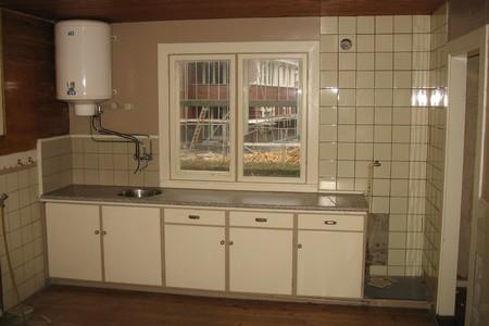 Keuken watersnoodwoning voor overplaatsing